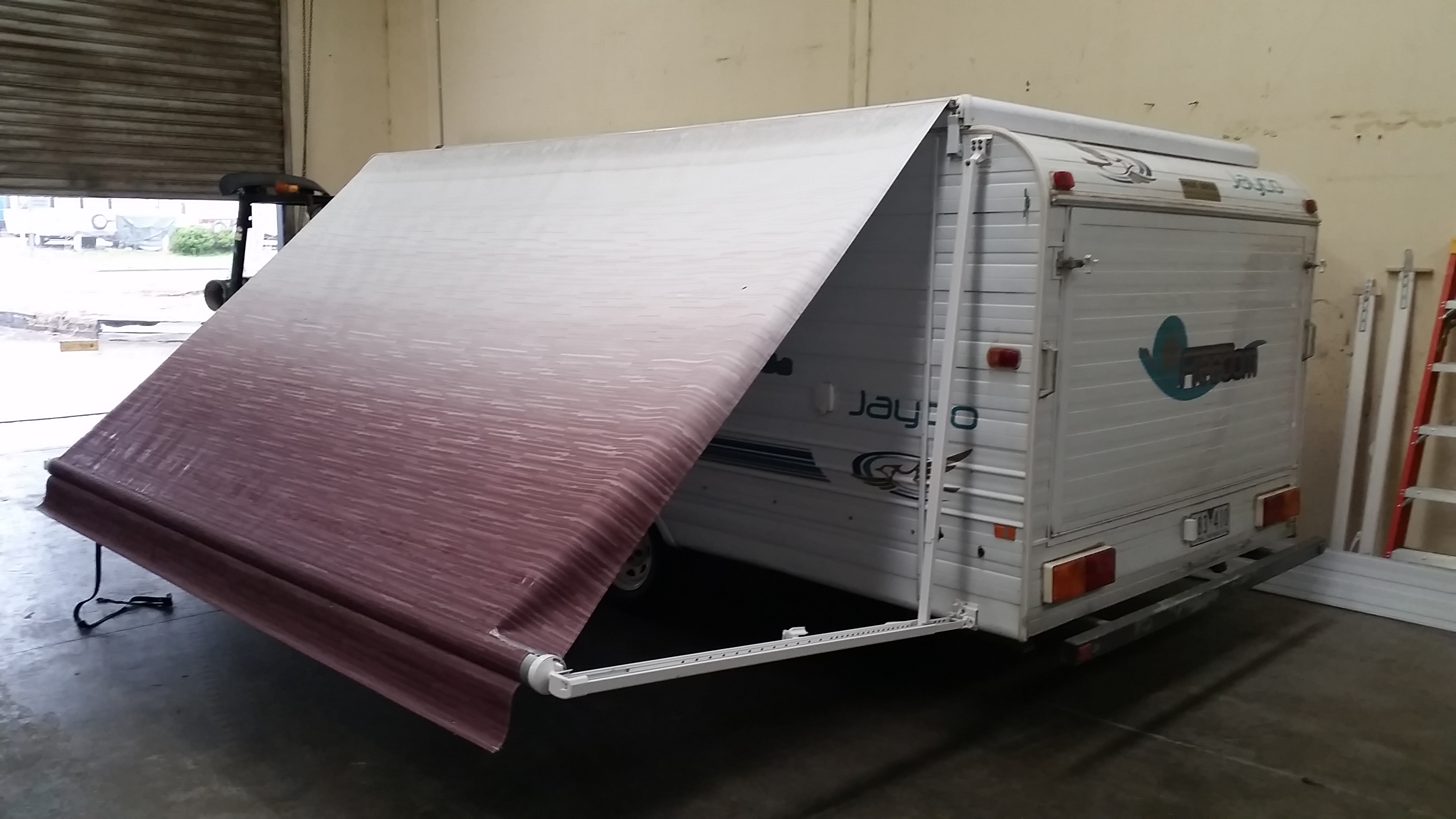 sunshade awning products sunestaawnings awnings roll out